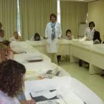 Alessandra Ferrari ministrando curso de Conservação e Restauro para Bibliotecários e Arquivistas do Ministério da Justiça em Brasília/DF em 2012.